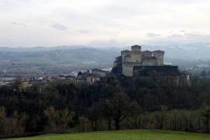 Castello di Torrechiara con il suo piccolo borgo