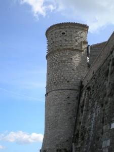 La Torre del Gran Priore dal basso.