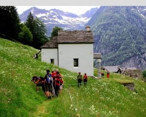 Alpe Vova, la chiesina e l'alpeggio