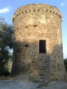 Torre di Torrazza vista davanti