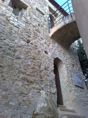 Terzorio - Torre mozzata vista dall'entrata