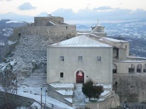 Una spolverata di neve sul castello medievale!