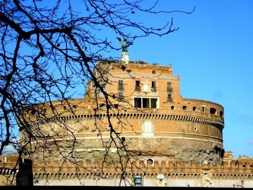 Roma - Fermo nel traffico caotico di Roma.. No problem! Abbasso il finestrino e .....