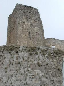 """Castello Normanno-Aragonese :Torre Pentagonale """"dei Giganti """""""
