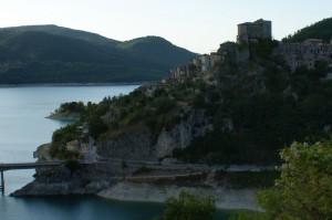 Castel di Tora e il Lago del Turano