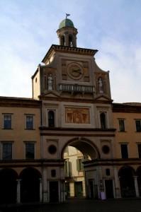 La porta del Torrazzo