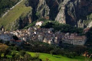 un paese tra i monti delle Madonie