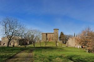 incontrando il Castello di Montalfina