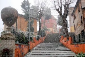 Neve sulla scalinata di Carlotta