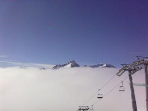 Cime sopra le nuvole dal Colle Bettaforca verso Champoluc