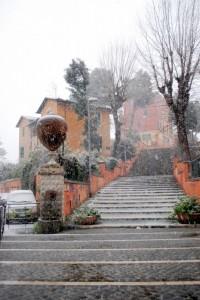 La fontana Carlotta sotto la neve