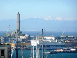 Genova il porto la Lanterna