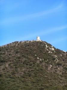 """la contestata torre """"Crociani"""" in vetta al monte Gennaro"""