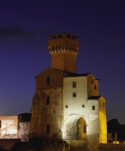 """Pisa - """"L'Ultima Torre""""...prima della sera...."""