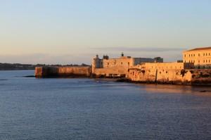L'alba sul castello