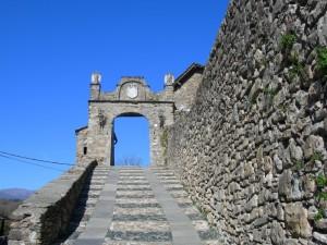 La rampa di accesso al castello