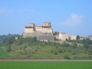 Le due ampie logge che caratterizzano il castello