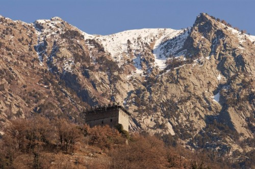 Arnad - Castello di Arnad, panoramica
