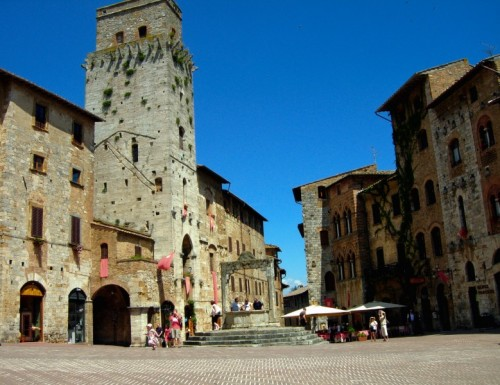 San Gimignano - Torre in piazza