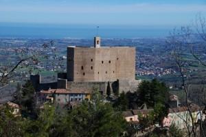 Rocca  e  paese di Montefiore conca