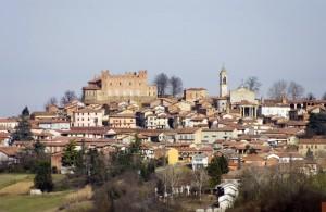 Montemagno e il suo castello.