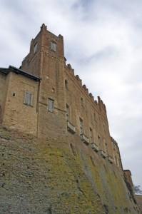 La torre d'angolo, castello di Montemagno.