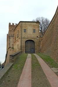 Il castello di Montemagno, rampa di accesso.