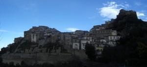 Valsinni dominata dal castello