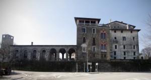 facciata esterna del castello