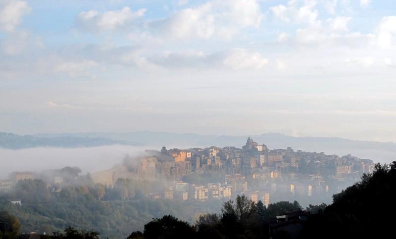''Orte Tra La Nebbia'' - Orte