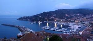 L'ora blu su porto S. Stefano