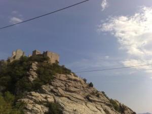 Castello dei Marchesi Clavesana visto da dietro