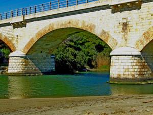 Il ponte ferroviario sulla foce del fiume Lenne