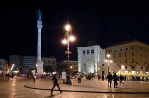 La piazza, il Santo e il sedile