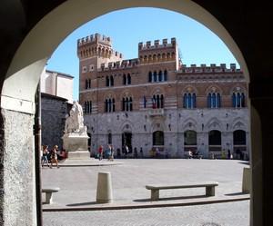 Anche detta Piazza delle Catene