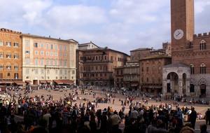 Una piazza vivace