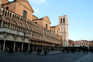 Tramonto su piazza Trento e Trieste