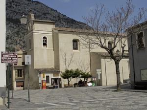 La piazza principale di civita
