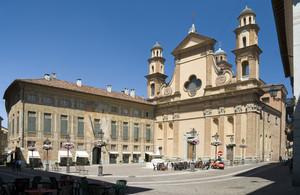 Piazza Mariano Dellepiane