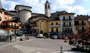 Barzio: piazza Garibaldi