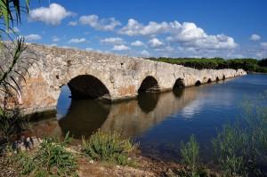 Il Ponte Romano sul Calik a Fertilia