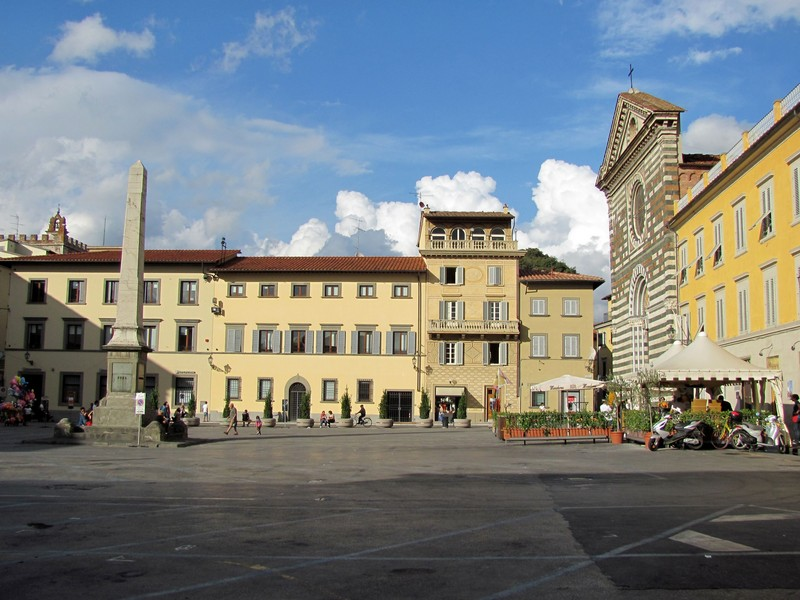 Prato piazza san francesco for Piazza san francesco prato