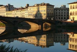 Riflessi di specchio (Ponte alla Carraia)