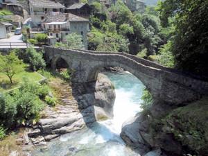 un ponte a Pontboset