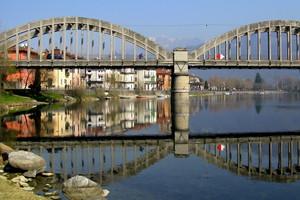 Un ponte sul fiume Adda