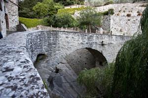 Il ponte che porta all'Eremo