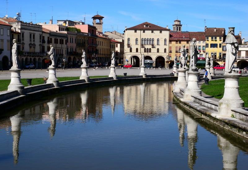 ''Un riflesso sulla…piu' grande.'' - Padova
