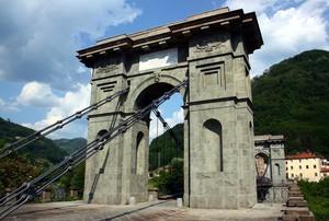 """""""Ponte delle Catene"""""""
