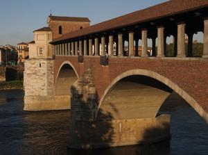 L'imponente ponte coperto