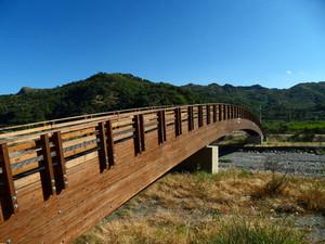 Ponte in legno sul torrente Agrò